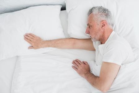 How to Choose a Mattress for an Older Adult