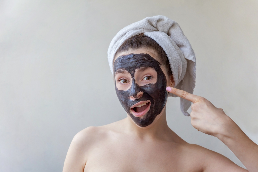 How To Use Charcoal Mask